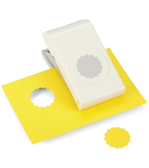 "EK Success Nesting Paper Punch SCALLOP Circle 1.25""/ 32mm"